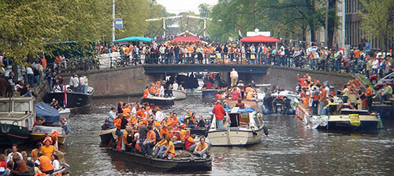 queensday amsterdam: fun fun fun!