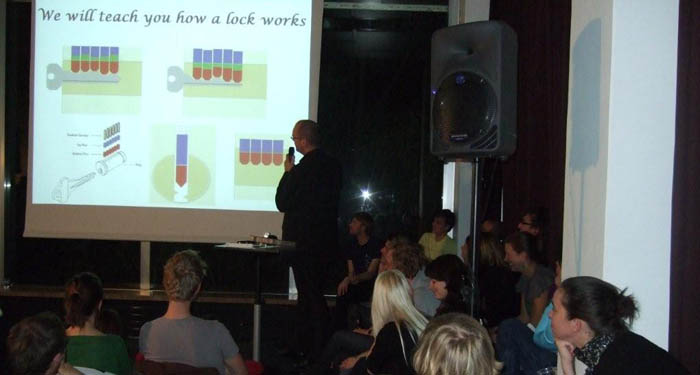 Barry Wels presenting at the 11th Pecha Kucha night in Amsterdam