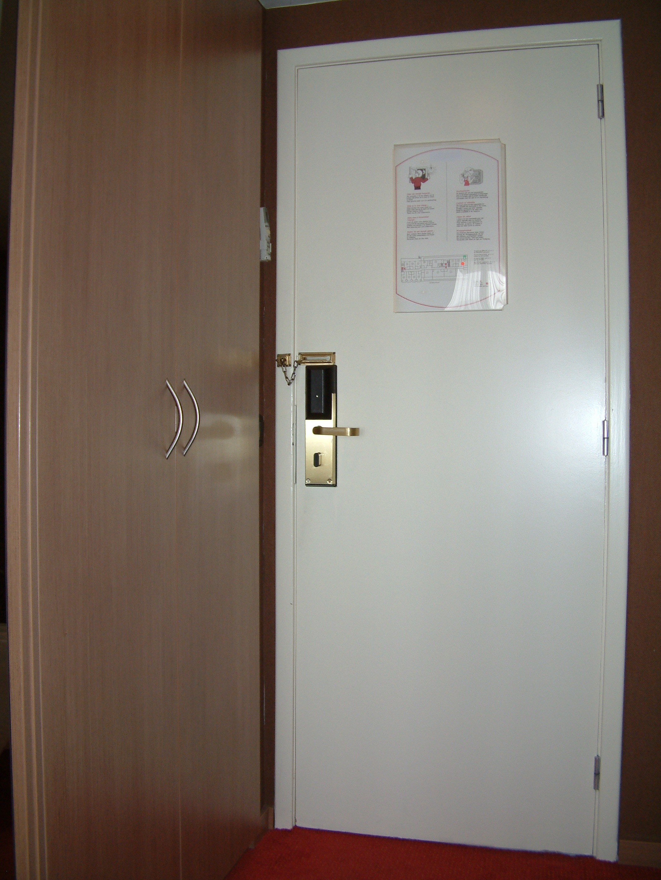 "Inside Hotel Room Door: More ""hotel Door Hacking"" And Lockcon « Toool's Blackbag"